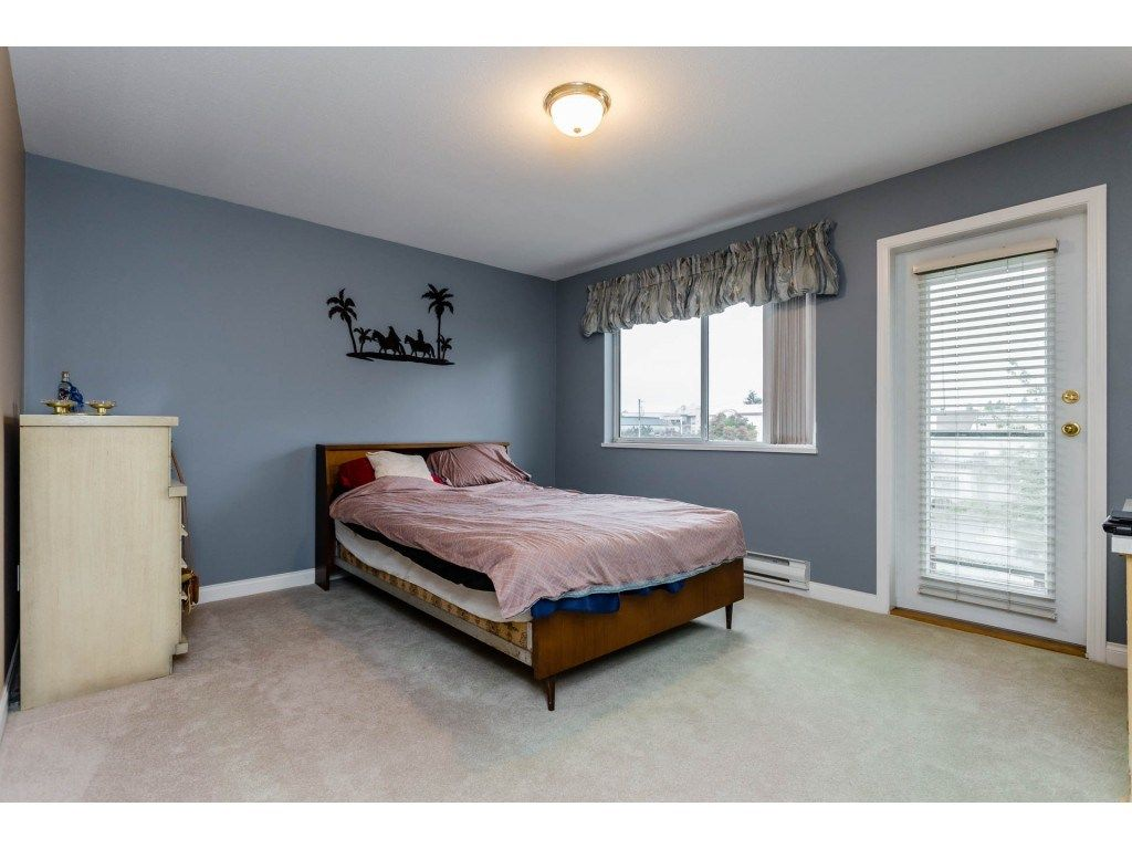 "Photo 11: Photos: 305 32044 OLD YALE Road in Abbotsford: Abbotsford West Condo for sale in ""Green Gables"" : MLS® # R2211381"