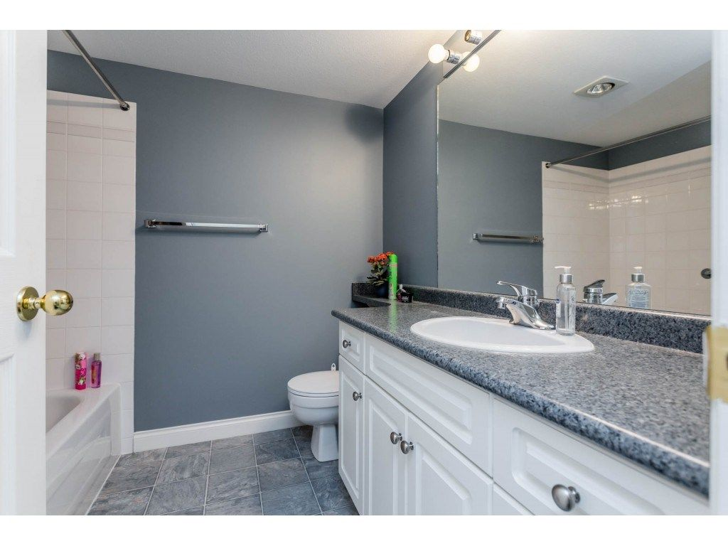 "Photo 16: Photos: 305 32044 OLD YALE Road in Abbotsford: Abbotsford West Condo for sale in ""Green Gables"" : MLS® # R2211381"