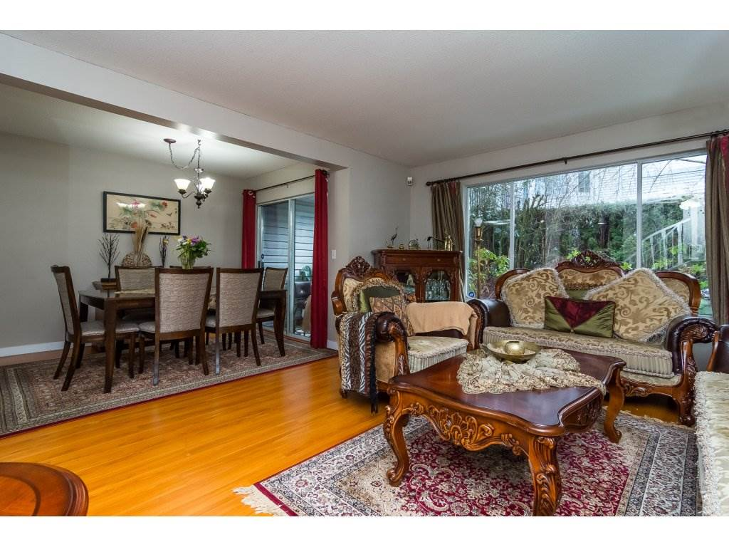 "Photo 5: Photos: 109 9177 154 Street in Surrey: Fleetwood Tynehead Townhouse for sale in ""Chantilly Lane"" : MLS® # R2229404"