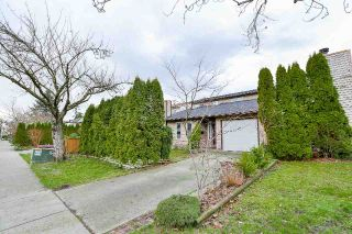 Main Photo: 6049 194A Street in Surrey: Cloverdale BC House for sale (Cloverdale)  : MLS® # R2237917