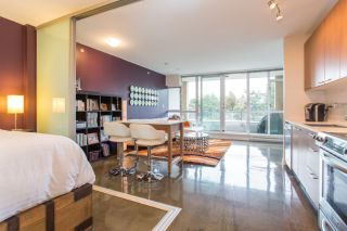 Main Photo: 221 Union Street in Vancouver: Union Street Condo for rent (Strathcona)