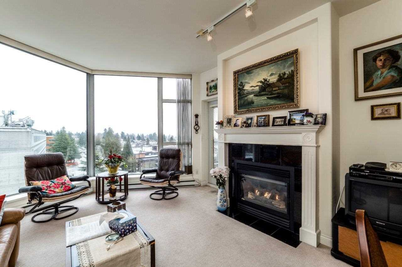 "Photo 2: Photos: 1004 160 E 13 Street in North Vancouver: Central Lonsdale Condo for sale in ""The Grande"" : MLS® # R2241390"