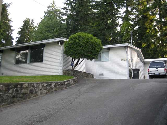 "Main Photo: 1922 WARWICK in Port Coquitlam: Mary Hill House for sale in ""Mary Hill"" : MLS(r) # V903188"