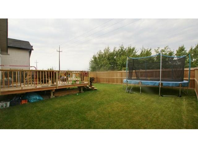Photo 4: 71 Helen Mayba Crescent in Winnipeg: Transcona Residential for sale (North East Winnipeg)  : MLS(r) # 1219010