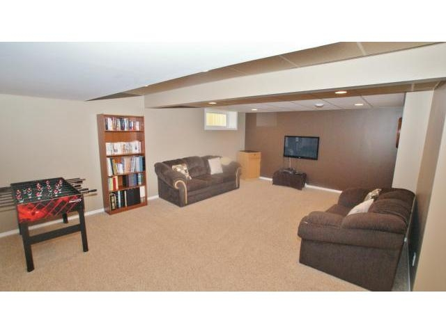 Photo 16: 71 Helen Mayba Crescent in Winnipeg: Transcona Residential for sale (North East Winnipeg)  : MLS(r) # 1219010