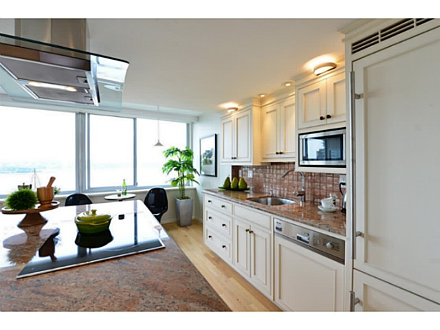 "Photo 8: 1503 1835 MORTON Avenue in Vancouver: West End VW Condo for sale in ""Ocean Towers"" (Vancouver West)  : MLS(r) # V1069708"