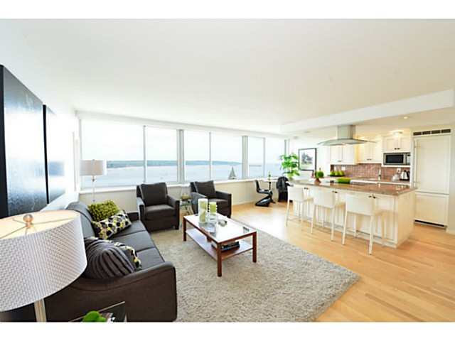 "Main Photo: 1503 1835 MORTON Avenue in Vancouver: West End VW Condo for sale in ""Ocean Towers"" (Vancouver West)  : MLS(r) # V1069708"