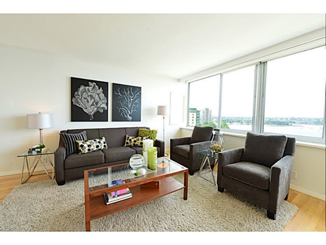 "Photo 4: 1503 1835 MORTON Avenue in Vancouver: West End VW Condo for sale in ""Ocean Towers"" (Vancouver West)  : MLS(r) # V1069708"