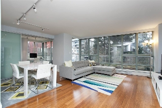 "Main Photo: 301 930 CAMBIE Street in Vancouver: Yaletown Condo for sale in ""PACIFIC PLACE LANDMARK II"" (Vancouver West)  : MLS® # R2028932"