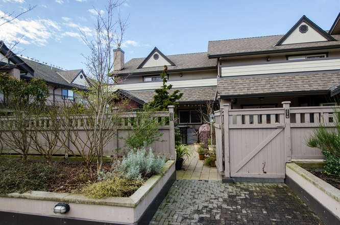 "Main Photo: 215 4811 53 STREET Street in Ladner: Hawthorne Townhouse for sale in ""Ladner Pointe"" : MLS(r) # R2029827"
