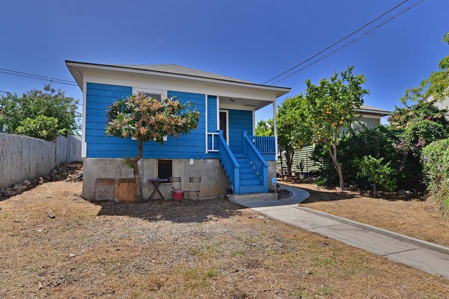 Main Photo: LOGAN HEIGHTS House for sale : 3 bedrooms : 122 S 20TH in SAN DIEGO