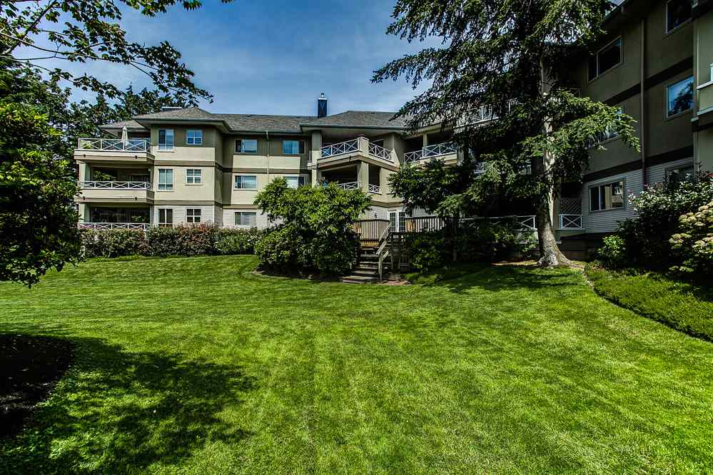 "Photo 19: 113 20120 56 Avenue in Langley: Langley City Condo for sale in ""BLACKBERRY LANE"" : MLS(r) # R2076345"