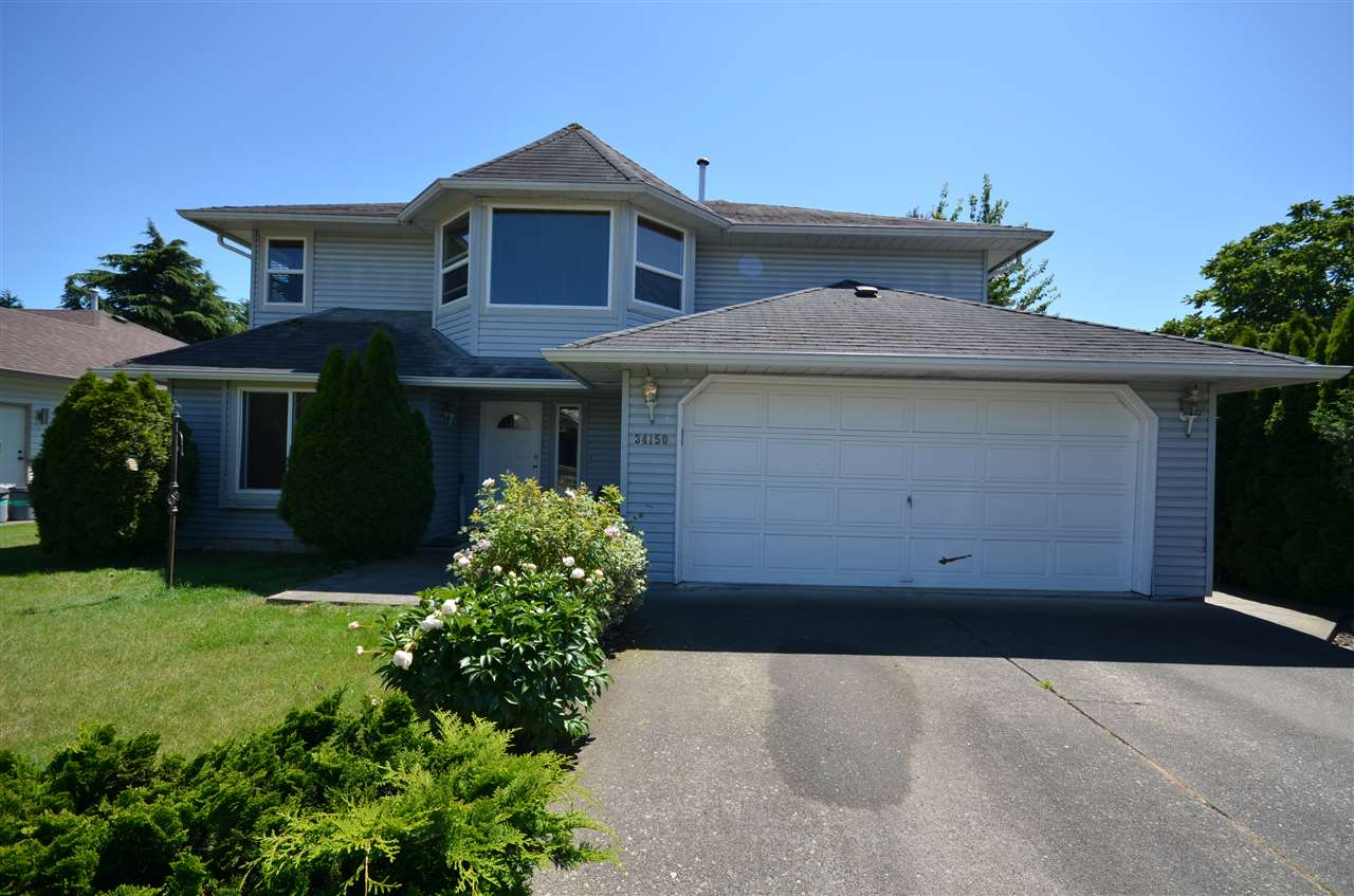 Main Photo: 34150 HIGGINSON Crescent in Abbotsford: Poplar House for sale : MLS(r) # R2083267