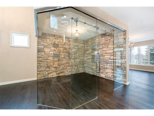 Photo 15: 22 ROCK LAKE View NW in Calgary: Rocky Ridge House for sale : MLS® # C4090662