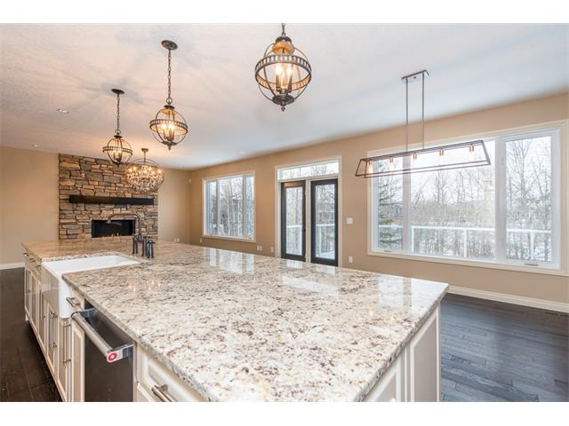 Photo 7: 22 ROCK LAKE View NW in Calgary: Rocky Ridge House for sale : MLS® # C4090662