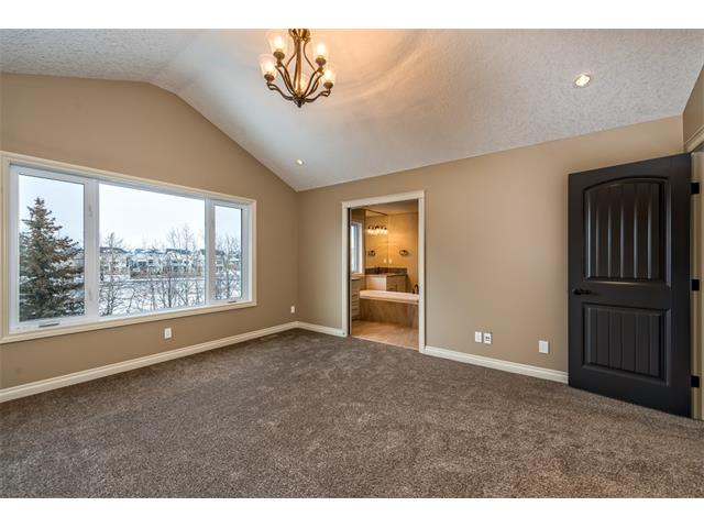 Photo 25: 22 ROCK LAKE View NW in Calgary: Rocky Ridge House for sale : MLS® # C4090662