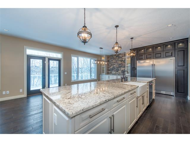 Photo 8: 22 ROCK LAKE View NW in Calgary: Rocky Ridge House for sale : MLS® # C4090662