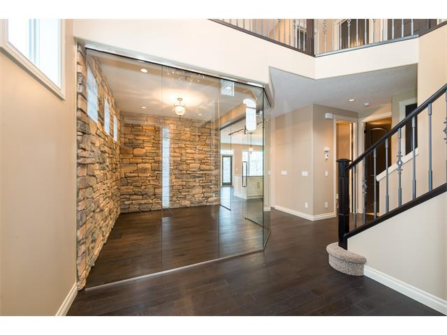 Photo 14: 22 ROCK LAKE View NW in Calgary: Rocky Ridge House for sale : MLS® # C4090662