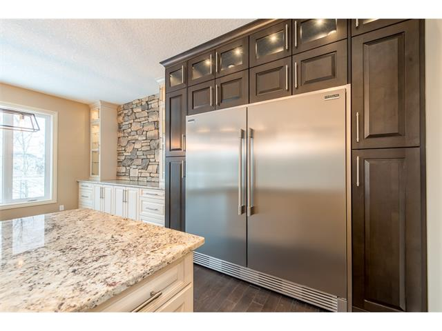 Photo 5: 22 ROCK LAKE View NW in Calgary: Rocky Ridge House for sale : MLS® # C4090662