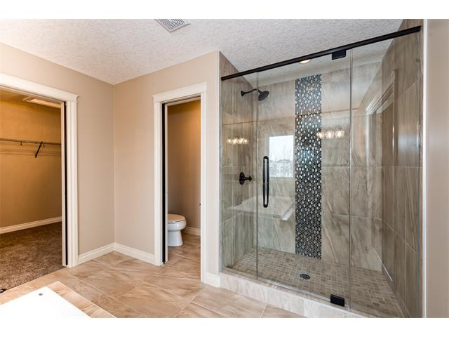 Photo 28: 22 ROCK LAKE View NW in Calgary: Rocky Ridge House for sale : MLS® # C4090662
