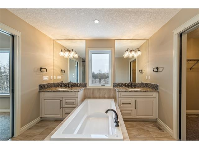 Photo 27: 22 ROCK LAKE View NW in Calgary: Rocky Ridge House for sale : MLS® # C4090662