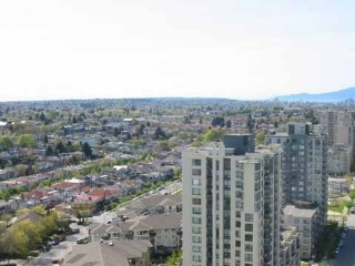 "Main Photo: 2705 5380 OBEN Street in Vancouver: Collingwood VE Condo for sale in ""URBRA"" (Vancouver East)  : MLS(r) # R2129619"