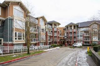 Main Photo: 304 14 E ROYAL AVENUE in New Westminster: Fraserview NW Condo for sale : MLS® # R2133443