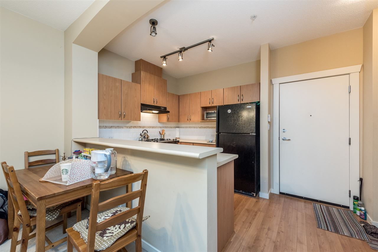Photo 4: 105 2988 SILVER SPRINGS BOULEVARD in Coquitlam: Westwood Plateau Condo for sale : MLS® # R2165302