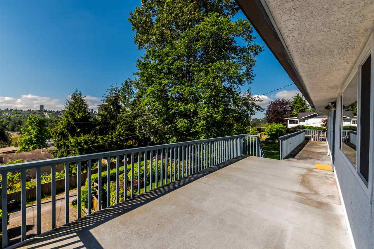 Photo 9: 5408 MONARCH STREET in Burnaby: Deer Lake Place House for sale (Burnaby South)  : MLS® # R2171012