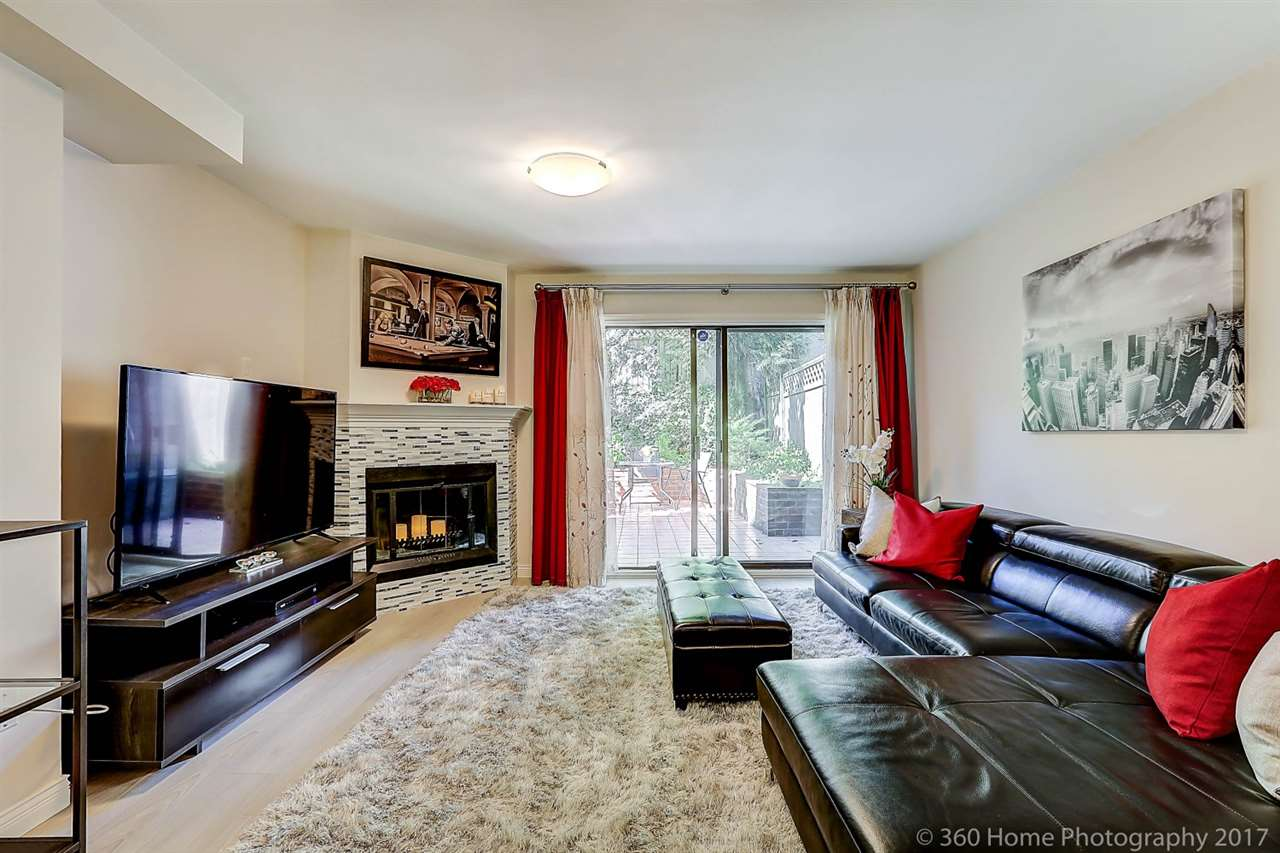 "Photo 4: 8143 LAVAL Place in Vancouver: Champlain Heights Townhouse for sale in ""Cartier Place"" (Vancouver East)  : MLS(r) # R2188408"