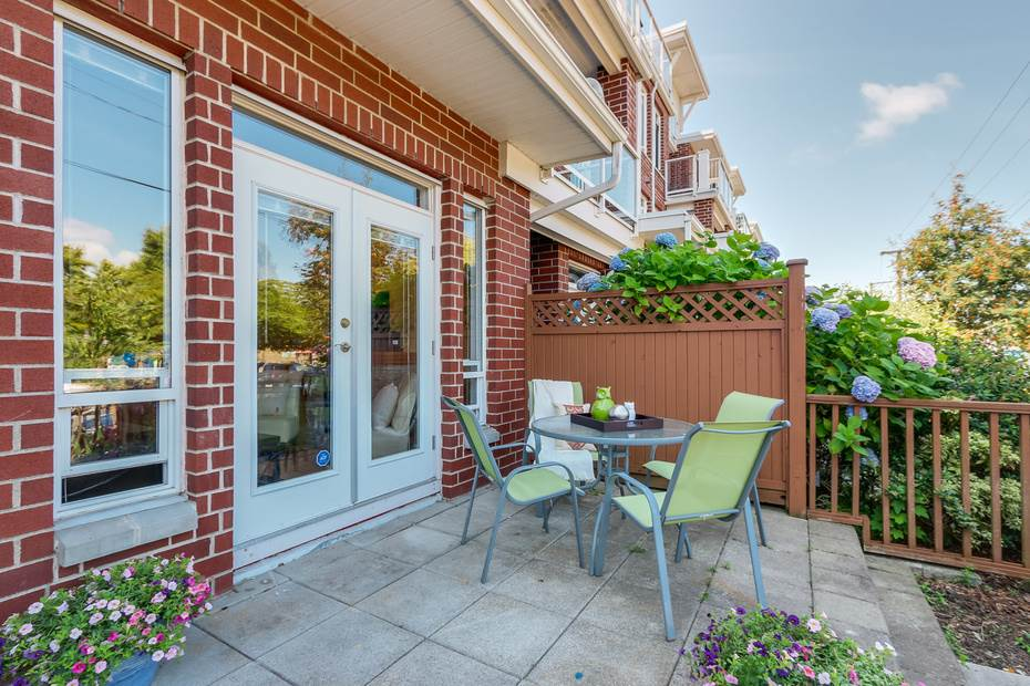 "Main Photo: 122 4280 MONCTON Street in Richmond: Steveston South Townhouse for sale in ""The Village at Imperial Landing"" : MLS(r) # R2191323"