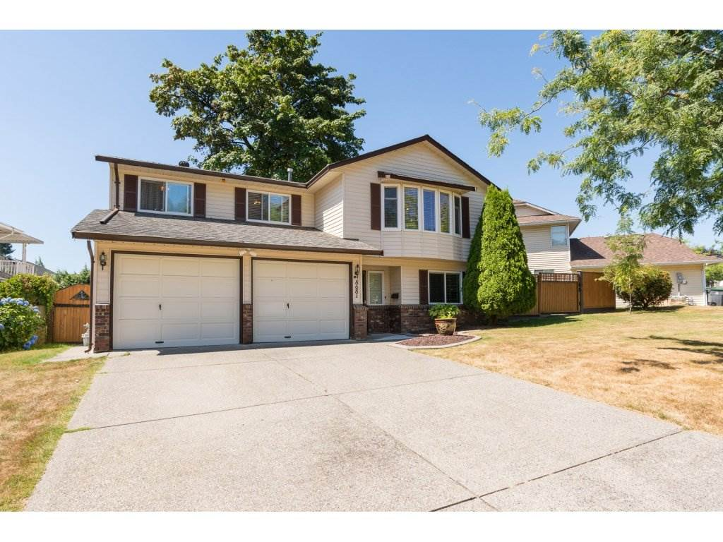 Main Photo: 8681 146A Street in Surrey: Bear Creek Green Timbers House for sale : MLS® # R2193728
