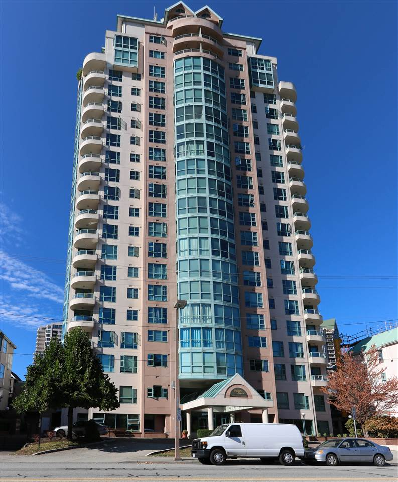 Main Photo: 702 3071 GLEN Drive in Coquitlam: North Coquitlam Condo for sale : MLS® # R2197957