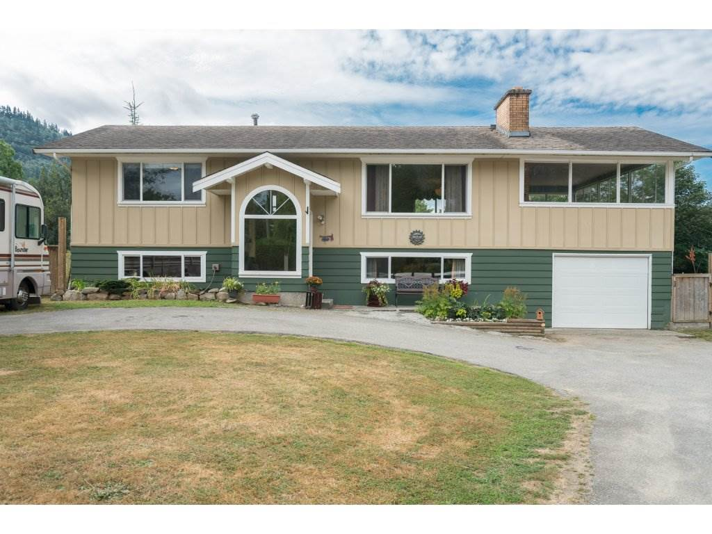 "Main Photo: 6326 GOLF Road: Agassiz House for sale in ""Agassiz"" : MLS®# R2198288"