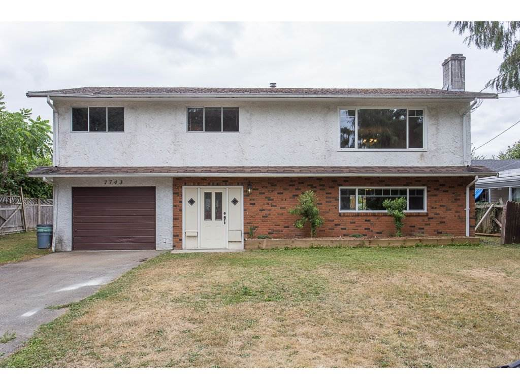 "Main Photo: 7743 SANDPIPER Drive in Mission: Mission BC House for sale in ""West Heights"" : MLS® # R2198601"