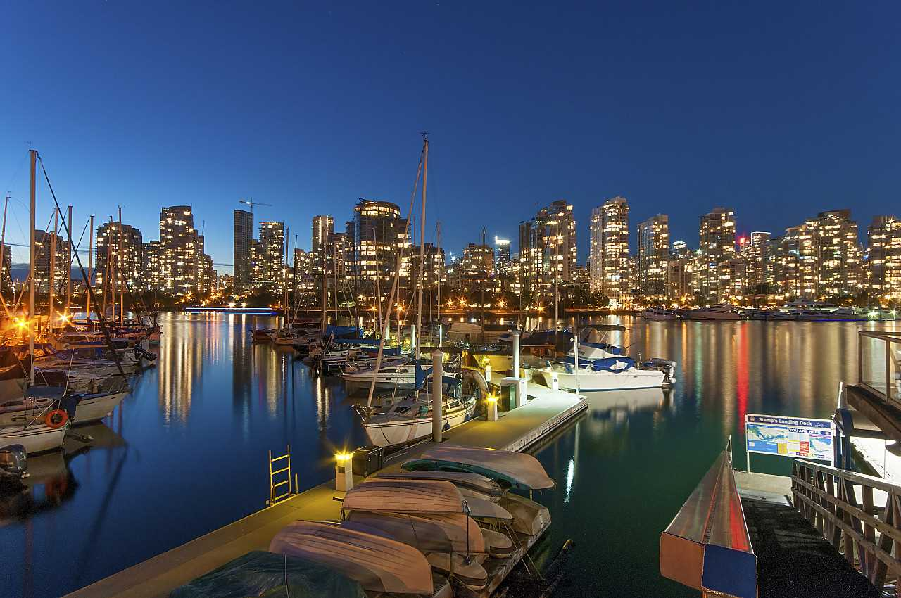 Main Photo: 615 518 MOBERLY ROAD in Vancouver: False Creek Condo for sale (Vancouver West)  : MLS® # R2213184