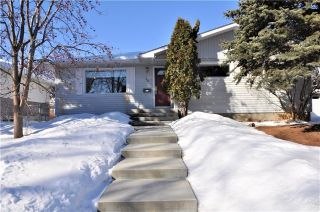 Main Photo: 15 WESTVIEW Drive SW in Calgary: Westgate House for sale : MLS® # C4173447