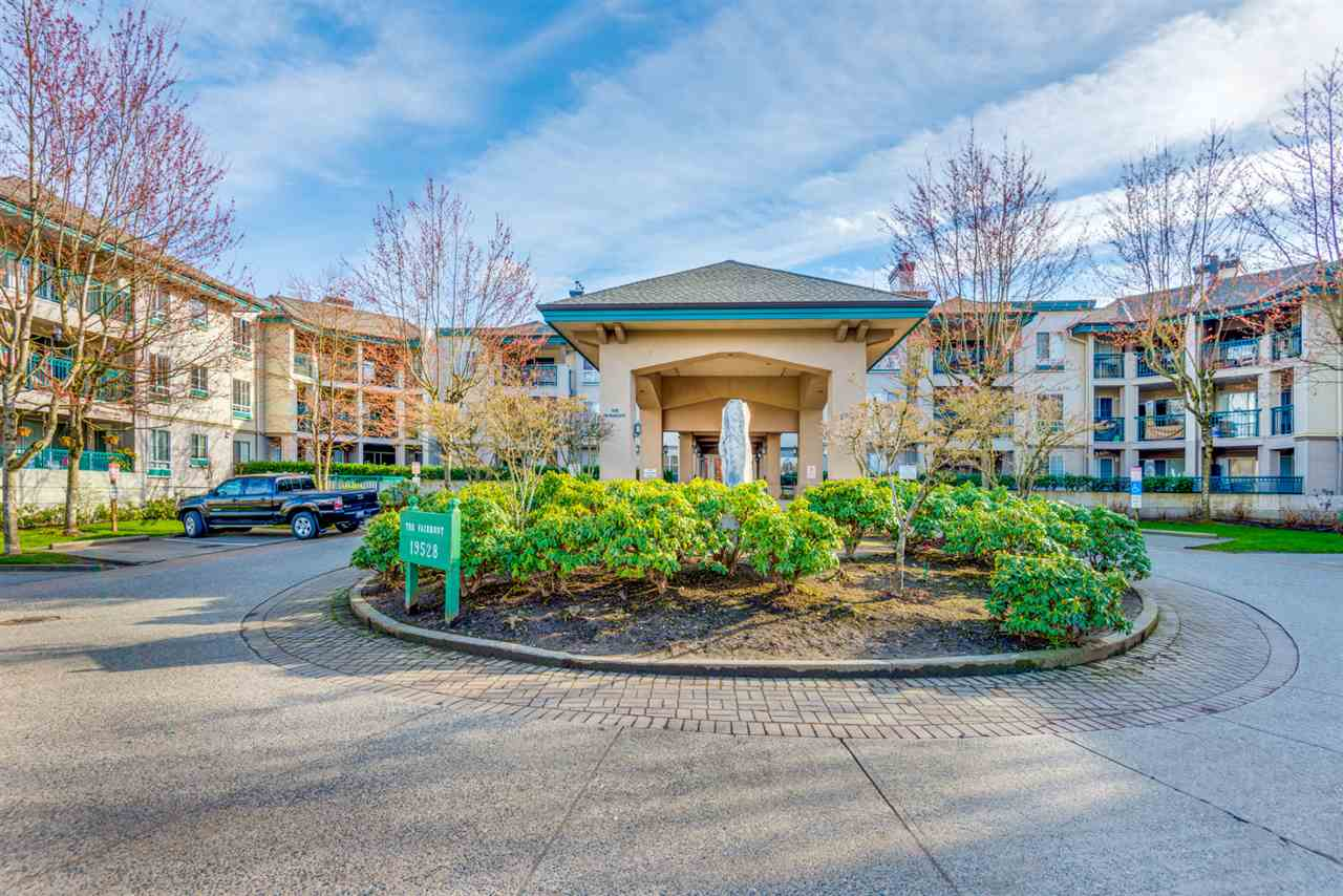 "Main Photo: 133 19528 FRASER Highway in Surrey: Cloverdale BC Condo for sale in ""The Fairmont"" (Cloverdale)  : MLS®# R2252327"
