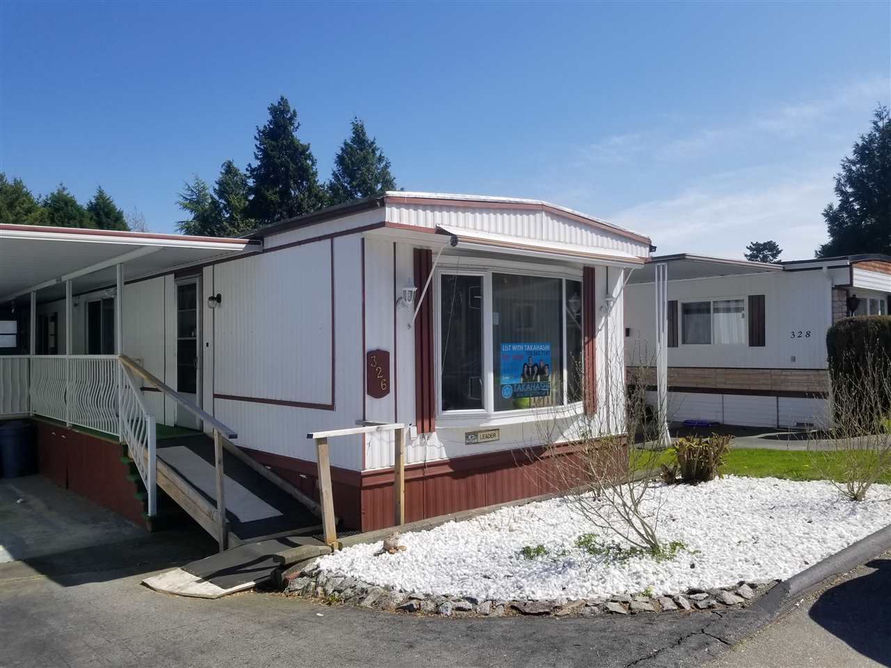 "Main Photo: 326 1840 160 Street in Surrey: King George Corridor Manufactured Home for sale in ""BREAKAWAY BAYS"" (South Surrey White Rock)  : MLS®# R2262141"