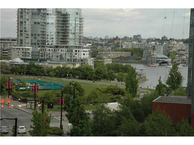 "Photo 5: 707 1438 RICHARDS Street in Vancouver: VVWYA Condo for sale in ""AZURA"" (Vancouver West)  : MLS(r) # V893659"