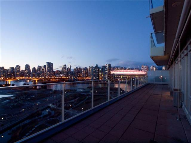 Main Photo: 1105 181 W 1ST Avenue in Vancouver: False Creek Condo for sale (Vancouver West)  : MLS® # V923291