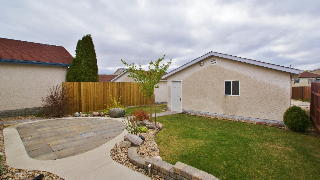 Photo 23: 1234 Devonshire Drive W in Winnipeg: Transcona Residential for sale (North East Winnipeg)  : MLS(r) # 1209108