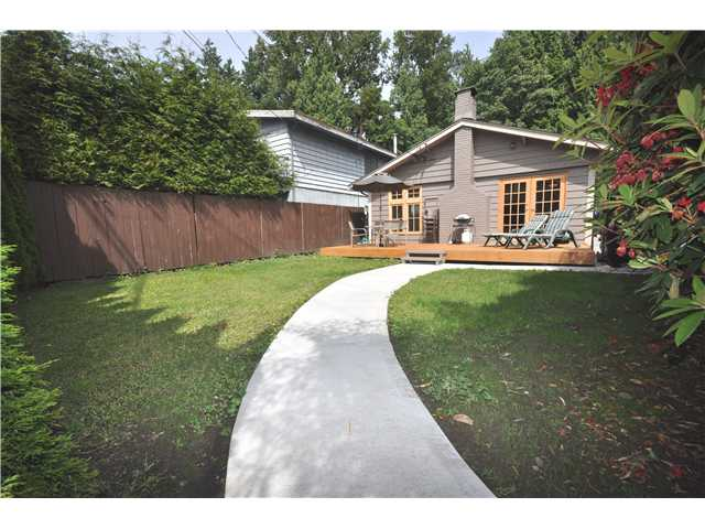 Main Photo: 1976 GARDEN AV in North Vancouver: Pemberton NV House for sale : MLS® # V1011985