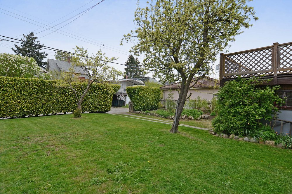Photo 11: 243 East 20th Avenue in Vancouver East: Home for sale : MLS(r) # V1005618