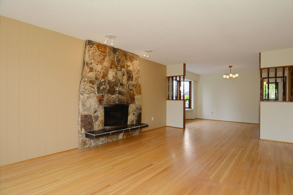 Photo 3: 243 East 20th Avenue in Vancouver East: Home for sale : MLS(r) # V1005618