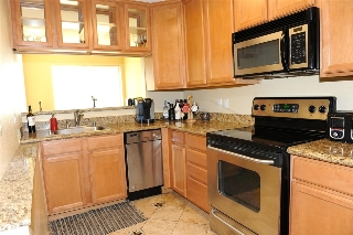 Main Photo: PACIFIC BEACH Condo for sale : 1 bedrooms : 860 Turquoise St #131 in San Diego