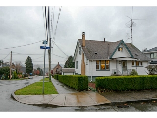 Main Photo: 1402 SEVENTH Avenue in New Westminster: West End NW House for sale : MLS(r) # V1095072