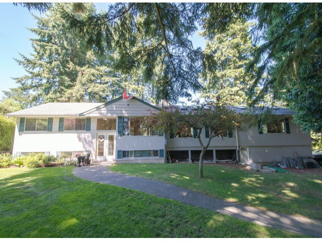 Photo 1: 13885 18TH Avenue in Surrey: Sunnyside Park Surrey House for sale (South Surrey White Rock)  : MLS(r) # F1431118