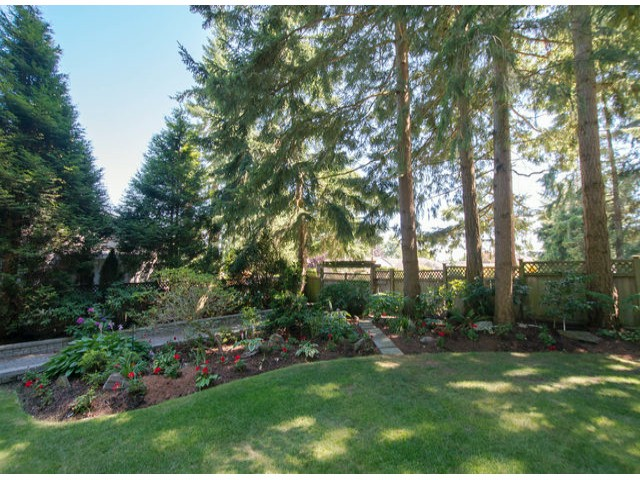 Photo 2: 13885 18TH Avenue in Surrey: Sunnyside Park Surrey House for sale (South Surrey White Rock)  : MLS(r) # F1431118