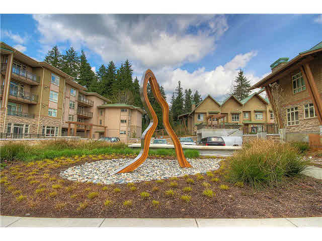 Main Photo: 3360 MT SEYMOUR Parkway in North Vancouver: Northlands Townhouse for sale : MLS(r) # V1116741